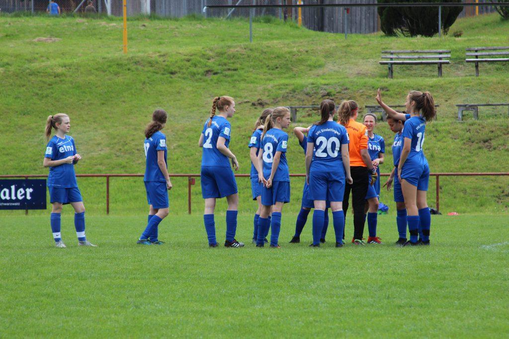 B2-Juniorinnen beenden Bezirkstaffel mit erster Niederlage